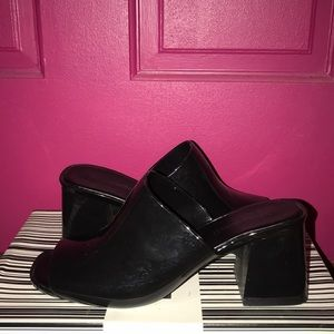 Jeffrey Campbell Black Patent Slipper Size 8
